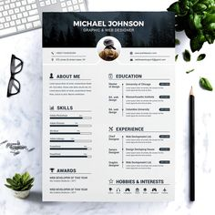Ways To Make Extra Money Discover Modern Resume Template / CV Template Cover Letter Graphic Designer Resume Template, Graphic Design Resume, Modern Resume Template, Cv Design Template, Creative Cv Template, Resume Template Free, Infographic Resume Template, Resume Words, Resume Writing