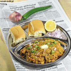 "Indian ""fast food"" from streets of Bombay- Pav Bhaji. Indian Fast Food, Indian Food Recipes, Ethnic Recipes, Soup Recipes, Vegetarian Recipes, Pav Bhaji, Legumes Recipe, Garam Masala, Stew"
