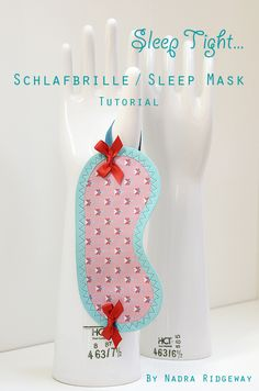Schlafbrille / Sleep Mask Tutorial Fabric Crafts, Sewing Crafts, Sewing Projects, Quilt Tutorials, Sewing Tutorials, Homemade Crafts, Diy And Crafts, Ornament Tutorial, Craft Bags