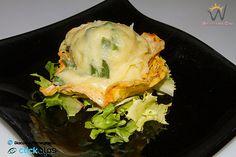 TAROZ sono un piatto tradizionale della gastronomia valtellinese basato sull'utilizzo di verdure facilmente coltivabili anche in terreni montuosi. Si tratta infatti di una purea di patate, fagioli e fagiolini conditi con il tradizionale burro e formaggio valtellinese.