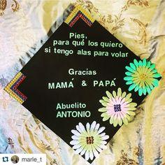 #InstagramELE #familia  Foto de una alumna mía de Ecuador que House ha graduado. Me encanta como su #familia tiene un papel principal en su birrete. Y la verdad cuando los alumnos se gradúan ya son familia para mí también. #Repost @marle_t with @repostapp.  This is for you Abuelito Antonio!  Sé que desde el cielo miras mis logros!  #SacredHeartUniversity #classof2016