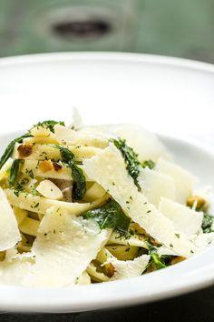 Chef Erick Alsaro ensina receita de Tagliatelle Porcini. Duas vezes por ano o Duo Bruschetteria & Bottega, que fica no Cambuí, lança novidades no cardápio