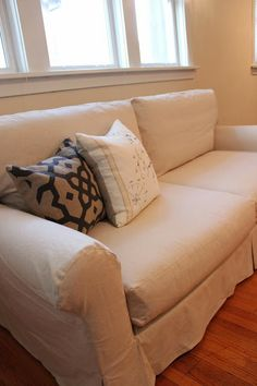 Custom Slipcovers by Shelley: Topstitched Couch