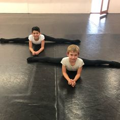 Triathlon, Billy Elliot, Ballet Boys, Cute Boys, Boy Fashion, Girly, Cosplay, Dance, Couple Photos