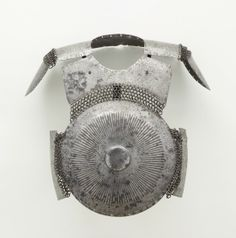 Ottoman krug, breast and shoulder plates, century, The Madina Collection of Islamic Art, Los Angeles County Museum of Art. Types Of Armor, Turkish Military, Muslim Culture, Larp Armor, Shoulder Armor, Ottoman Empire, 16th Century, Islamic Art, Antiques