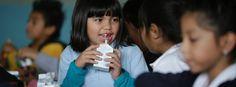 Der Unterricht ist vorbei, die Schüler bleiben zum Essen: Ein Programm in den USA finanziert bedürftigen Kindern eine Abendmahlzeit in den Schulen. Die Nachfrage wächst rasant.