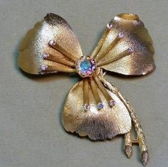 Gorgeous Lisner Gold tone Flower & Aurora Borealis Pin ~ Signed Designer Brooch ~ Love the Rhinestones at the End of Each ANTHER by EclecticJewells on Etsy