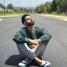 Sometimes you are all you have, And you are all you Need. Parmish Verma Beard, Punjabi Men, Girl Couple, Bollywood Stars, Smart People, Celebs, Celebrities, Latest Pics, Beard Styles