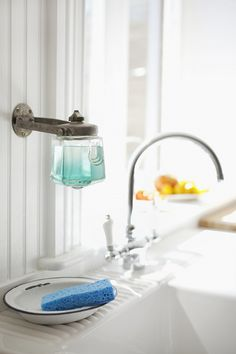 soap dispenser! Oh...how I would Love to have THIS!