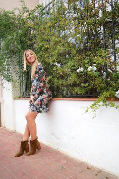 señoretta streetwear  #streetwear #fashion #fashionblog #style #styletips #dress #boots #bag #urbanfashion #winter #winterclothes #stylish #woman #womanfashion #floralprint #print #details