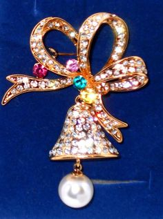 Multi+Color+Austrian+Crystal,+Glass+Pearl+Christmas+Bell+Brooch+USA+Seller+#Unbranded http://stores.ebay.com/JEWELRY-AND-GIFTS-BY-ALICE-AND-ANN