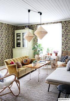 olohuone,värikäs,matto,sohva,sohvapöytä