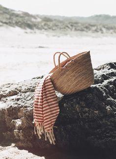How to Take Good Beach Photos Beach Day, Summer Beach, Summer Of Love, Summer Time, Little Marcel, Photography Beach, Summer Feeling, Summer Aesthetic, Beach Aesthetic