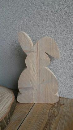 Leuke Paashaas steigerhout.  € 7,50