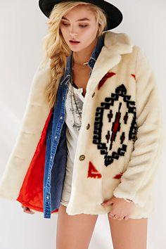 Ecote Mountain Geo Faux Fur Coat - Urban Outfitters