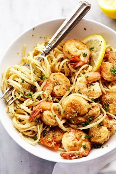 Lemon Garlic Shrimp Scampi is a delicious 30 minutes meal that cooks in a buttery lemon garlic sauce and breaded with a parmesan bread crumb topping.  A restaurant quality meal right at home!  So here is a little known fact about me.  I do not like shrimp.  Like at all.  But I really have never given it …