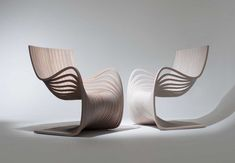 The Pipo Chair by designer Alejandro Estrada combines elegance and innovation with its simple design. This meticulously curving wooden chair design is. Wood Chair Design, Furniture Design, Furniture Ideas, Building Furniture, Modern Furniture, Canapé Design, Interior Design, Design Ideas, Modern Interior