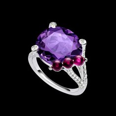 Piaget - Ref : Ring G34H1000  Limelight Cherry Dream cocktail inspiration ring in 18K white gold set with 39 brilliant-cut diamonds (approx. 0.58 ct), 3 beads of rubellite (approx. 0.76 ct) and an oval-cut amethyst (approx. 9.27 ct)