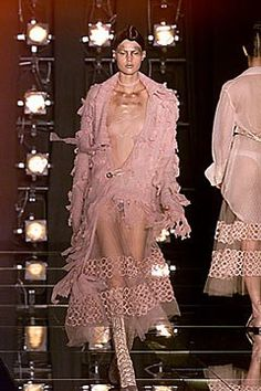 Christian Dior Fall 2000 Ready-to-Wear Fashion Show - John Galliano, Diana Gärtner