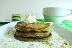 Fluffy pistachio pancakes for less than 200 calories a serving!