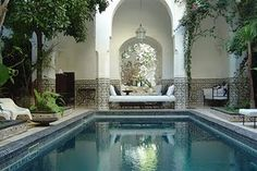 indOOR pOOl with a grecian gOdess feel. YES PLEASE!