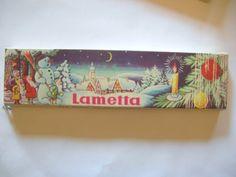 Lametta für den Weihnachtsbaum. Kein Baum ohne Lametta.