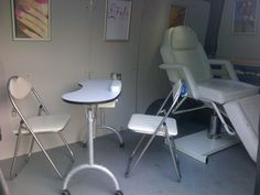 Interior view of a mobile beauty salon by www.salononwheels.co.uk