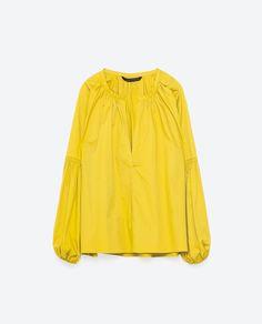 ZARA(ザラ) バルーンスリーブコットンブラウス   ¥12,590 世界中で大人気ブランドのZARAを本場スペインからお届けいたします。  モデル着用のお洋服セットなども手配可能でございますので お気軽にお問い合わせください。  ※送料削減でなるべくお得にお届けするため包装は簡易包装となります。 防水加工・緩衝材・箱(商品によて異なる)などで綺麗にお送りするよう努めてまいりますので、何卒ご理解下さい。  【素材】 外側 97% コットン, 3% ポリウレタン  ※安心・安全の追跡可能な発送方法でお送りいたします。 ご注文後迅速に商品の手配を行いますが、 在庫の状況により取り寄せ手配を行う事がありますので 発送期限は通常10日~17日を目途にご考慮下さい。  ※お使いのコンピューター環境によっては、イメージやお色が違う場合もございますので、 ご不明な点はお気軽にお問い合わせ下さい。