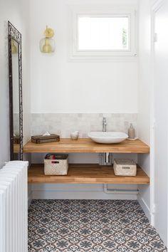 35 Rustic Bathroom Vanity Ideas to Inspire Your Next Renovation - The Trending House Zen Bathroom, Natural Bathroom, Laundry Room Bathroom, Small Bathroom, Bathroom Ideas, Laundry Rooms, Bathroom Fixtures, Floating Bathroom Vanities, Bathroom Images