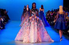 Huhhuh! There goes my 'I'd NEVER like to dress like a Barbie'... Elie Saab Couture