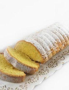 Trovo che la meraviglia di questo dolce cominci dal nome. Riempie la bocca di dolcezza prima ancora di mangiarlo, evoca la morbidezza, l'aff...