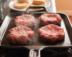 How To Make Burgers on the Stovetop We'll show you how to make juicy, totally tender burgers on the stove top, start to finish. No need to go out – stay in tonight and have a homemade burger! Hamburgers On The Stove, How To Cook Hamburgers, Homemade Hamburgers, Cooking Hamburgers, Burgers On Stove Top, Pan Fried Hamburgers, Sides For Hamburgers, Best Homemade Burgers, Burger Toppings
