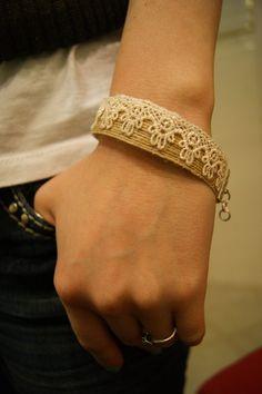 Burlap and Lace bracelet $8.00
