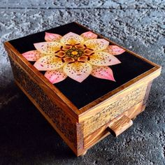 Vintage Blooming Lily Jewelry Box