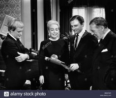Download this stock image: Crawford, Joan, 23.3.1905 - 10.5.1977, American actress, half length, to the movie The man from U.N.C.L.E, 1964, - BBNFWR from Alamy's library of millions of high resolution stock photos, illustrations and vectors.