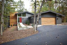 New Urban Home Builders – Mid-Century Modern - Titanium 2141-60 Urbane Bronze 7048