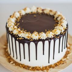 Rich chocolate almond cake layers with a coconut buttercream, and filled with a toasted coconut and almond filling and chocolate ganache. Almond Joy Cake, Chocolate Almond Cake, Chocolate Drip, Almond Cakes, Dark Chocolate Chips, Toasted Almonds, Toasted Coconut, Dessert Crepes, Coconut Buttercream