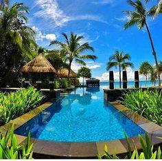 Mid-week getaway ️ Nothing but blue skies  and sunshine  Shangri-la Boracay Resort