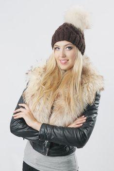 Fur Clothing, Suit Vest, White Fur, Fur Collars, Fur Jacket, Retro Fashion, Fur Fashion, Womens Scarves, Winter Jackets