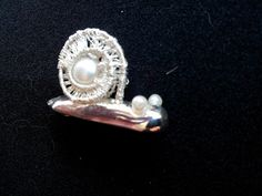 artclay silver, silver wire and a natural pearl Snail, Wire, Clay, Brooch, Pearls, Natural, Silver, Jewelry, Brooch Pin