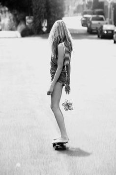 skateboard six pack girl