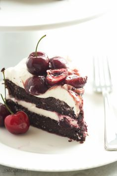 This Black Forest Cake is SO EASY and naturally gluten free -- and no gluten…