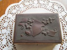 Antique sewing box with thread sewing kit