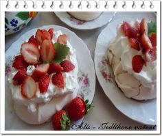jahodový dezert #pavlova #jahody se šlehačkou