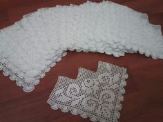 Filet Crochet, Crochet Designs, Doilies, Color Patterns, Lace Shorts, Elsa, Diy And Crafts, Cross Stitch, Weaving