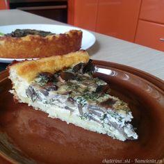 Очень нежный пирог из картофельного теста. Можно подавать как гарнир или как закуску на праздничном столе.