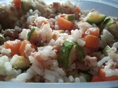 Every wednesday a new #inmylunchbox on Twitter: Rice salad with tuna, zucchini and carrots