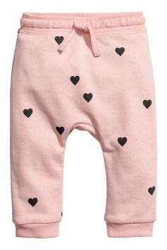 Joggers in soft, organic cotton sweatshirt fabric. Elasticized waistband and ribbed hems. Little Girl Fashion, Fashion Kids, Toddler Fashion, Babies Fashion, Fashion Shoes, Fashion Dresses, Girls Joggers, Joggers Outfit, Kids Outfits Girls