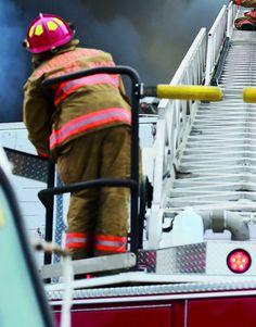 Incendio en estacionamiento de hotel en Condado -...