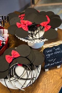 Pin for Later: The Bachelor's Molly Mesnick Threw the Cutest Minnie Mouse Birthday Party Minnie Mouse Cookies, Minnie Mouse Party Decorations, Mouse Parties, 1st Birthday Girls, 2nd Birthday Parties, Little Pony Party, Mickey Mouse Birthday, Jenny Cookies, Ears